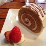 cafe DALI - 黒蜜ロールケーキ