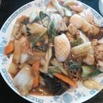 中国東北料理 四季菜館 - ボリューム満点、五目焼きそば