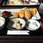 てぃーだ - 私のオーダー 広島産牡蠣フライと肉詰め 980円