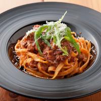 Pasta e Vino Kei - 赤ワインとの相性抜群の 『黒毛和牛のラグータリアテッレ』
