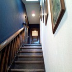 23125492 - 階段下から