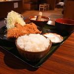 牛とん亭 - ロースカツ定食200g