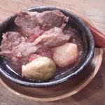 虎食堂 - 牛肉のフォンドボー煮込み