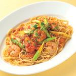 ペッシェドーロ - 海老とグリーンアスパラの辛口トマトソース