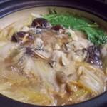 ほっこり - 手作り味噌タレの牡蠣の土手鍋は最高!