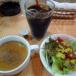 フーディーズ - ドリンクとサラダとスープ