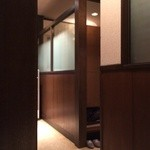 焼肉れんげ - 個室の造り