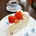 23148204 - ストロベリーショートケーキ