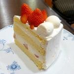 23148205 - ストロベリーショートケーキ