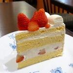 23148207 - ストロベリーショートケーキ