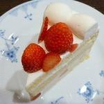 23148208 - ストロベリーショートケーキ