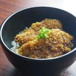 らー麺とご飯の たかぎ - 名物!鶏タレ勝丼