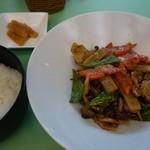 菩提樹 - (2013/10月)訪問日のBランチ「豚肉と季節野菜のバーベキュー炒め」