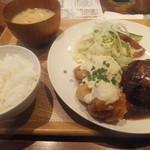 23159902 - ハンバーグ&チキン南蛮定食