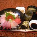 魚や たけ庄 - たけ庄丼(1680円)