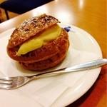 プチ・ゾウ - 和栗のシュークリーム