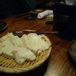 とり鉄 - お通し(寄せ豆腐)