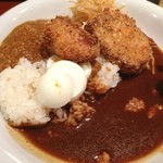 まんぷくカリー24 - カレー食べ放題。角煮のフライとかすごい。