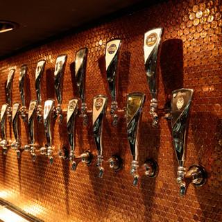 クラフトビールが24タップ。全タップ2H飲み放題で3600円