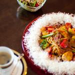 ベジタブルハート - 料理写真:旬野菜たっぷりトマトソース