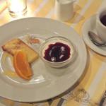 イタリア料理屋 タント ドマーニ - お楽しみデザートと紅茶