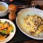 木の家 - ランチ〜スパゲティボンゴレ1050円