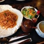木の家 - ランチ〜スパゲティナポリタン1050円