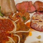 2317122 - 肉中心の皿