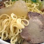 山形水ラーメン 二代目 真毅坊 - 「山形水ラーメン」麺・出汁氷・チャーシュー