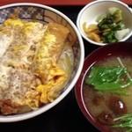 松屋そば店 - かつ丼520円