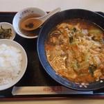 餃子の王将 - 辛玉ラーメン(380円)+ライスセット(200円)※税別
