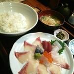 博多 魚頂天 - 海鮮丼(750円)