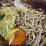 そば処 和た里 - 「鴨南ばんそば」たくさんの野菜を除いて、蕎麦麺を上にあげました。 h25.12.16撮影