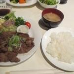 京洋食文吉 - 和牛焼肉定食
