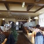カフェレストラン 瑠奈 - 店内の様子