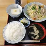 角八 平島店 - (25.12.5) 野菜炒め定食 御飯は大盛りではないのにこのボリューム