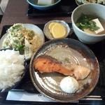 ダイニング薫 - 日替わり¥580シャケムニエル