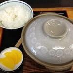 23182211 - 鍋焼きラーメン(600円)+めし(100円)
