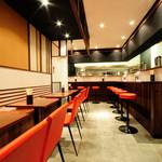 つけ麺みさわ - カウンター席、テーブル席で20席!