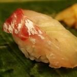 弥助 - 昆布〆の鯛