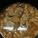 やまじゅう - 三日目の煮込み 大分煮汁の色が濃くなった
