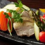 九四八 - 季節野菜と鶏の自家製ピクルス