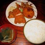 三河屋 - 「日替り定食(チキンカツ+豚生姜焼き)」550+「メンチカツ」150円