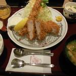 23192013 - レディースセット ¥1554  エビフライ・ヒレカツ・茶碗蒸し・とろろ・飯・味噌汁・デザートが付いた欲張りセット。