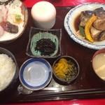大漁活魚・ほうらい茶屋 - 料理写真:あら炊き定食(980円)