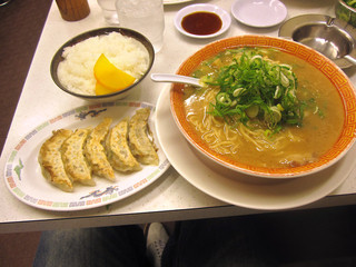 ラーメン 名人 - 「餃子セット(ラーメン+ライス+焼餃子5個)」 940円