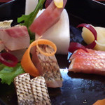 23194712 - 新鮮なお魚と飾り切りされたお野菜が何とも言えません^^;