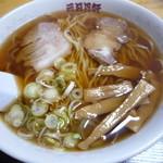 三日月軒 - ラーメン 普通 600円(麺量220g)
