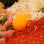 とびっちょ - 料理写真:釜揚げしらす3色丼