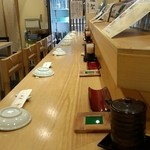 つきぢ神楽寿司 - 一階カウンター席